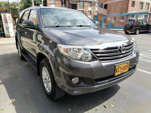 Toyota Fortuner Urbana 2700cc 4x2 At Aa Ab Abs