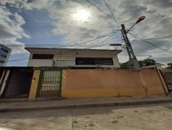 Casa Comercial En Av. Bolivar. Wc