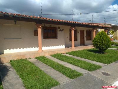 Casa En Urbanización Privada