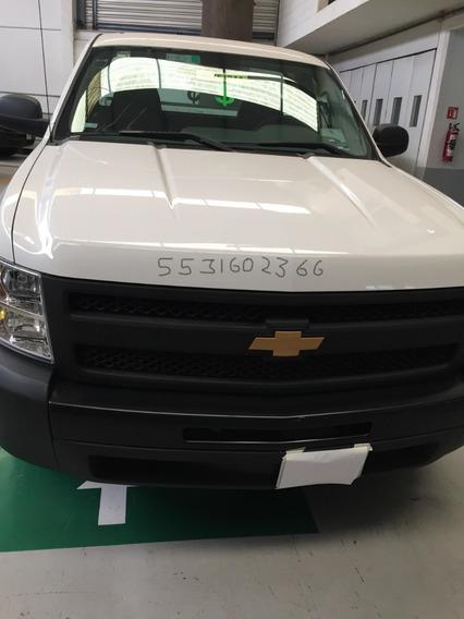 Vendo Bonita Chevrolet Silverado, 6 Cil. 4.3, Trans.estandar