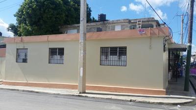 Linda Casa Con Marquesina Y Negocio En Salcedo