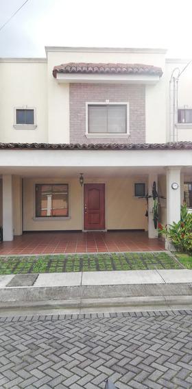 Casa En Condominio Hacienda Sacramento (concepción De Tres R