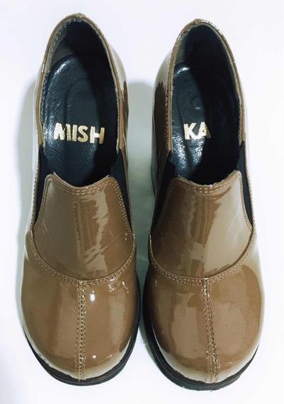 Mishka Zapatos Theo Con Taco Cuero Charol Capuccino T36
