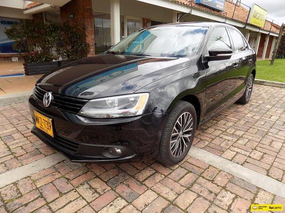 Volkswagen New Jetta Trendline 2.5 At Aa