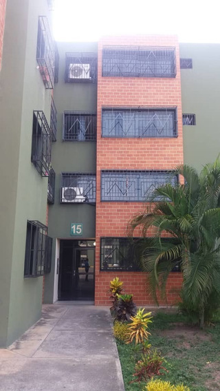 Apartamento En Alquiler Res. Narayola I 04243799160