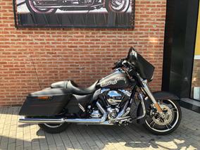 Harley Davidson Street Glide 2014 Preta Com 7000km