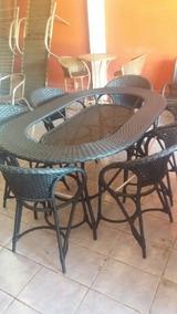Um Conjuto Da Jantar Com 6 Cadeiras No Aluminio E Fibra