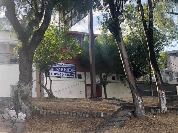 Lomas De Bellavista: Casa En Venta Con Espacios Amplios
