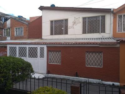 Excelente Casa Como Nueva Bien Ubicada