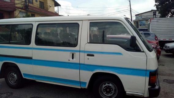 Nissan Urvan Motor 2000 Reparado,