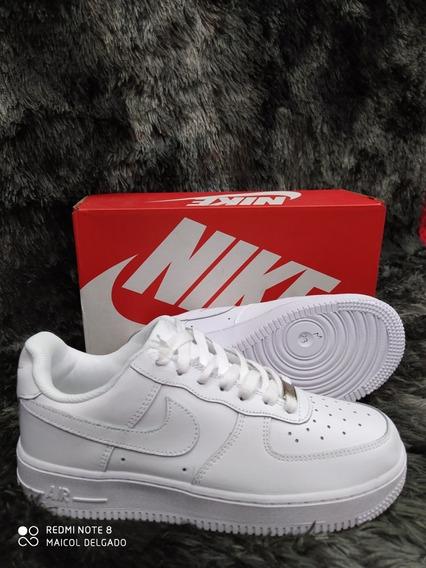 Zapatos Nike/ Air Force One / Zoom / Zapatos adidas / Yezzy
