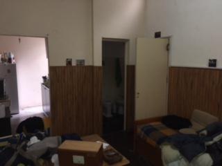 Venta Casa De Pasillo 1 Dormitorio Con Patio Barrio Parque Casado