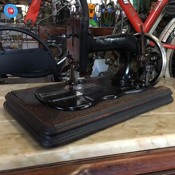 Máquina De Costura Manual Antiga Decoração 820 Ñ Emblema