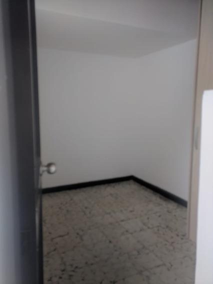 Casa En Arriendo La Castellana 495-39025