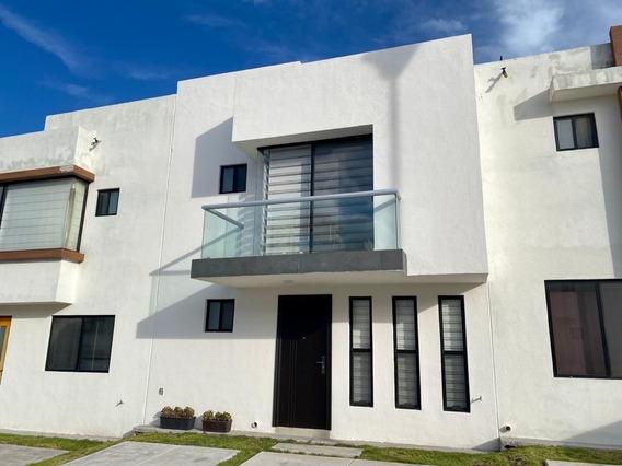 Casa Amueblada En Renta Zibata Rcr190705-mg