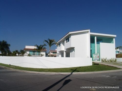 Estrene Preciosa Casa De Moderno Diseño , Agradables Amentie