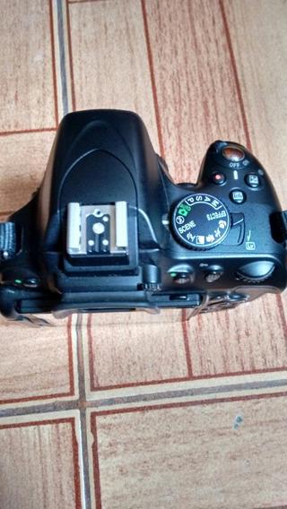 Vendo Camara Nikon D5100 Em Exelente Estado Com Duas Lentes