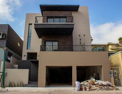 Casa En Venta En Fracc.puerta De Hierro, Tijuana B.c.