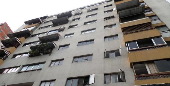 Comodo E Iluminado Apartamento En Colinas De Bello Monte