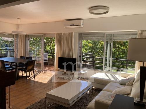 3 Dormitorios Duplex Y Cochera En Playa Mansa- Ref: 310