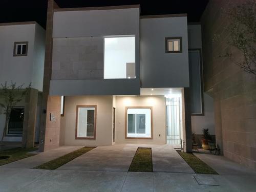 Imagen 1 de 12 de Casa Sola En Venta Las Lomas