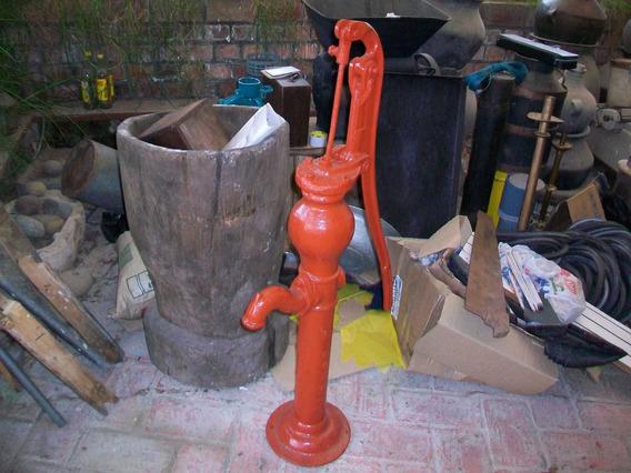 Antigua Bomba De Agua, Para Decoración O Acoplando Se Usaría