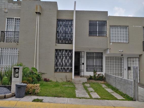 Bonita Casa Nueva Muy Iluminada Con Terreno Excedente.