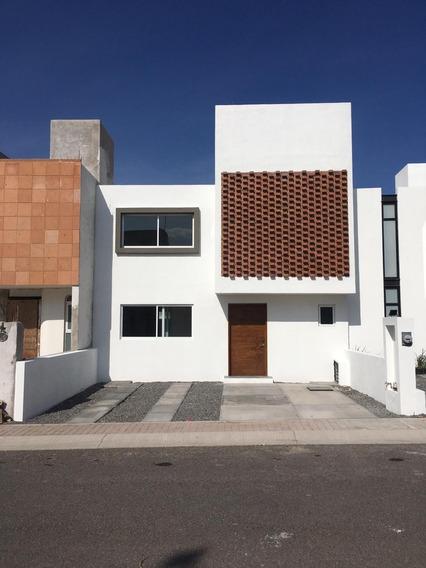 Preciosa Casa Nueva Con Diseño Único