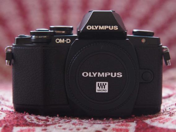 Câmera Olympus Omd E-m10