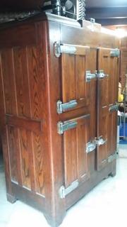 Antigua Heladera De Madera De 3 Puertas Restaurada