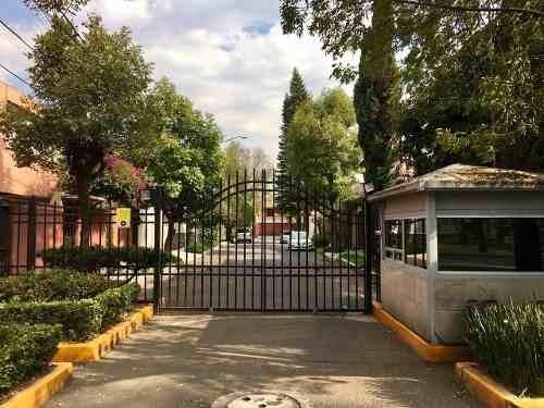 Se Vende Casa En Cda. Vito Alessio Robles