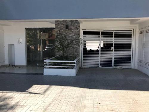 Monoambiente Con Espectacular Terraza Y Cochera.