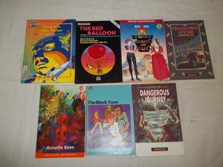 Lote C/ 32 Livros Paradidaticos Em Ingles Titulos Nas Fotos