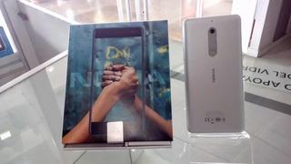Teléfono Nokia 5