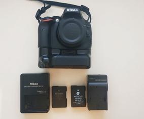 Nikon D5100 + Grip + 2 Baterias