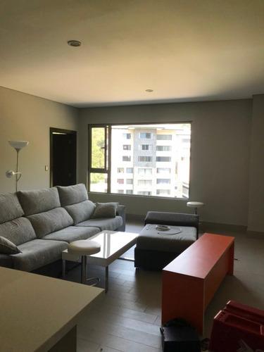 Imagen 1 de 9 de Se Alquila Apartamento Semiamueblado En Zona 10