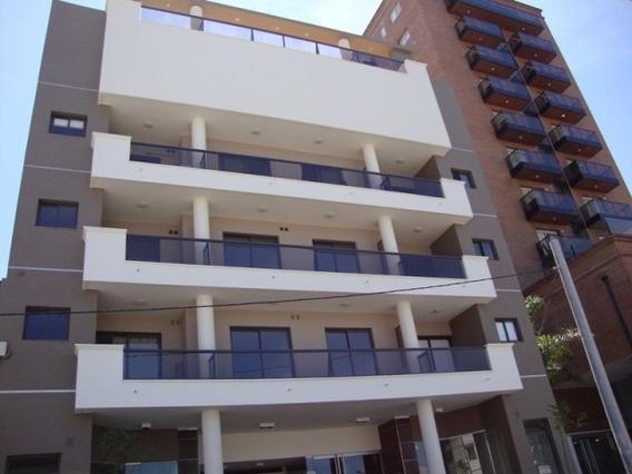 Unidad En Oportunidad En Edificio Rivera Oeste, 2 Dorm.