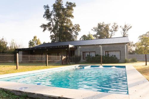 Imagen 1 de 12 de Casa Quinta De Más De 7 Ambientes En Moreno