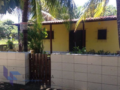 Casa Térrea Com 3 Quartos - Lf240-v