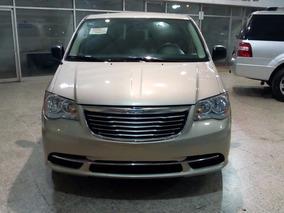 Chrysler Town & Country Factura Agencia Un Dueño Todo Pagado