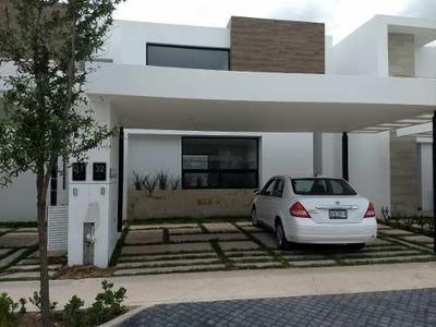 Residencia En Renta, Muralia Residencial, Ags. Rcr 294244