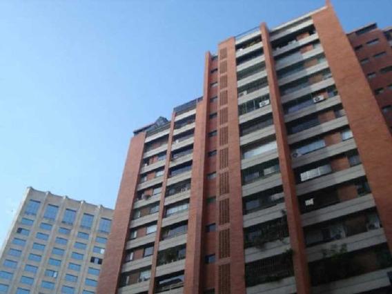Apartamento En Venta Urb. Prados Del Este #20-4075