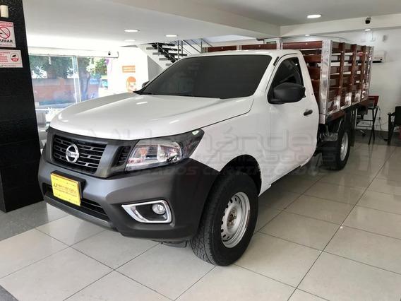 Nissan Np300 Estaca 2.5 Diesel 4x4 2018, Mec, Financio 100%