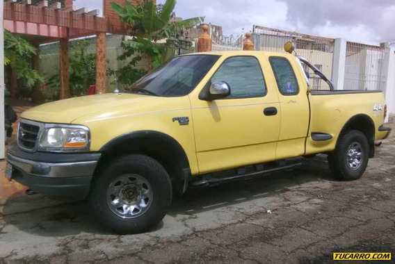 Ford F-150 Supercab Xlt - Automatica