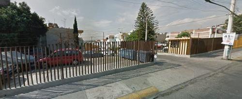 Casa En Remate Av. De Los Arcos Col. Padre Figueroa Nau.