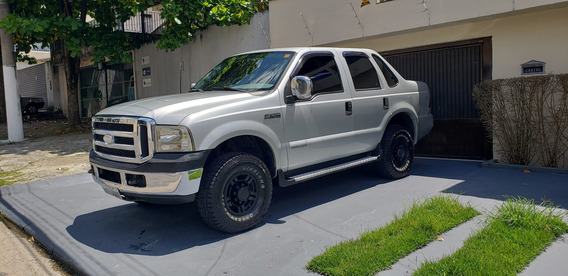 Ford F 250 - Tropical - 4x4 - 6 Lugares