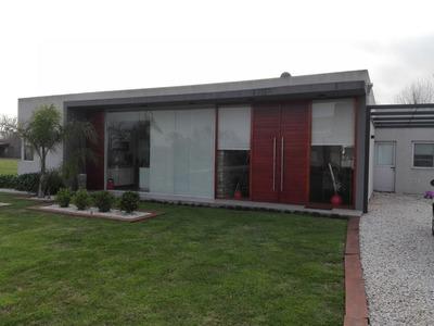 Casa En Venta Ubicado En El Nacional, Zona Oeste