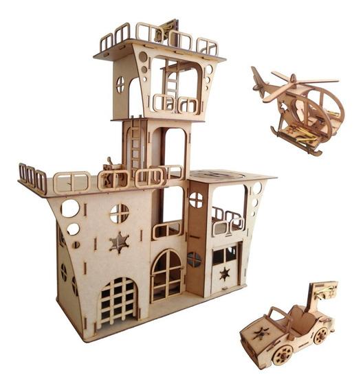 Torre De Combate Em Madeira Com Helicóptero E Carrinho