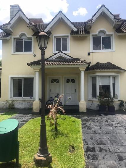 Casa Tipo Duplex En Leloir María Del Parque