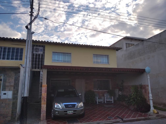 Urb. La Orquídea Prolongación Av. Aragua 04166467687